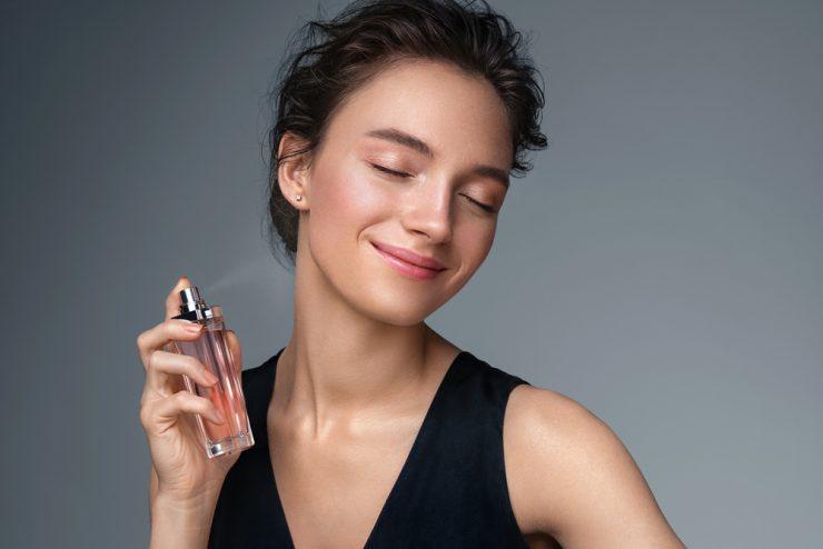 parfum-la-petite-robe-noire-de-Guerlain